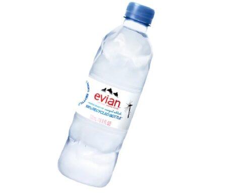 Evian: Virgil Abloh firma la nuova bottiglietta in plastica 100% riciclata
