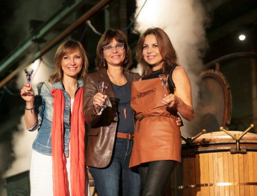 Le sorelle Nonino festeggiano Giannola aprendo al pubblico la distillazione notturna